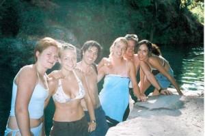 Activité à Güejar Sierra, baignade dans la rivière de montagne