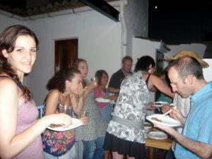 Repas international sur la terrasse de l'école d'espagnol Delengua