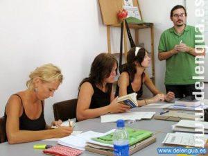Les groupes  des cours intensifs sont composés de 2 à 8 personnes ce qui facilite les échanges...