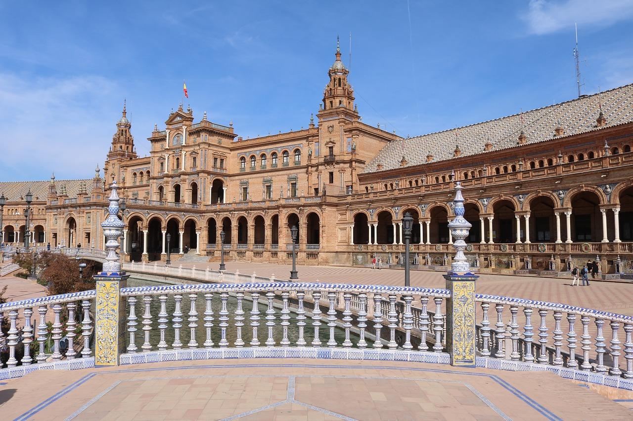 Vous serez émerveillés par la place d'Espagne!