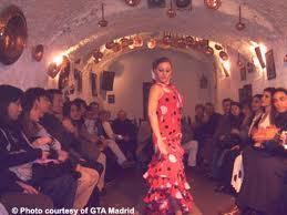 Vous pourrez admirer un spectacle de flamenco dans le quartier gitan du Sacromonte