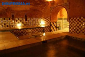 Vous serez émerveillés par la magnifique décoration des bains arabes à Grenade