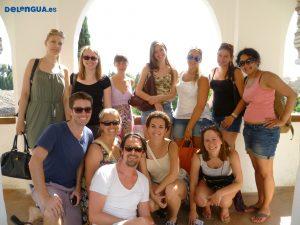 Les étudiants à la Alhambra avec la professeur Méli.