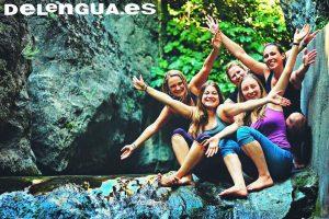 Une randonnée dans les Cahorros de Monachil, une des nombreuses activités proposées par l'école.